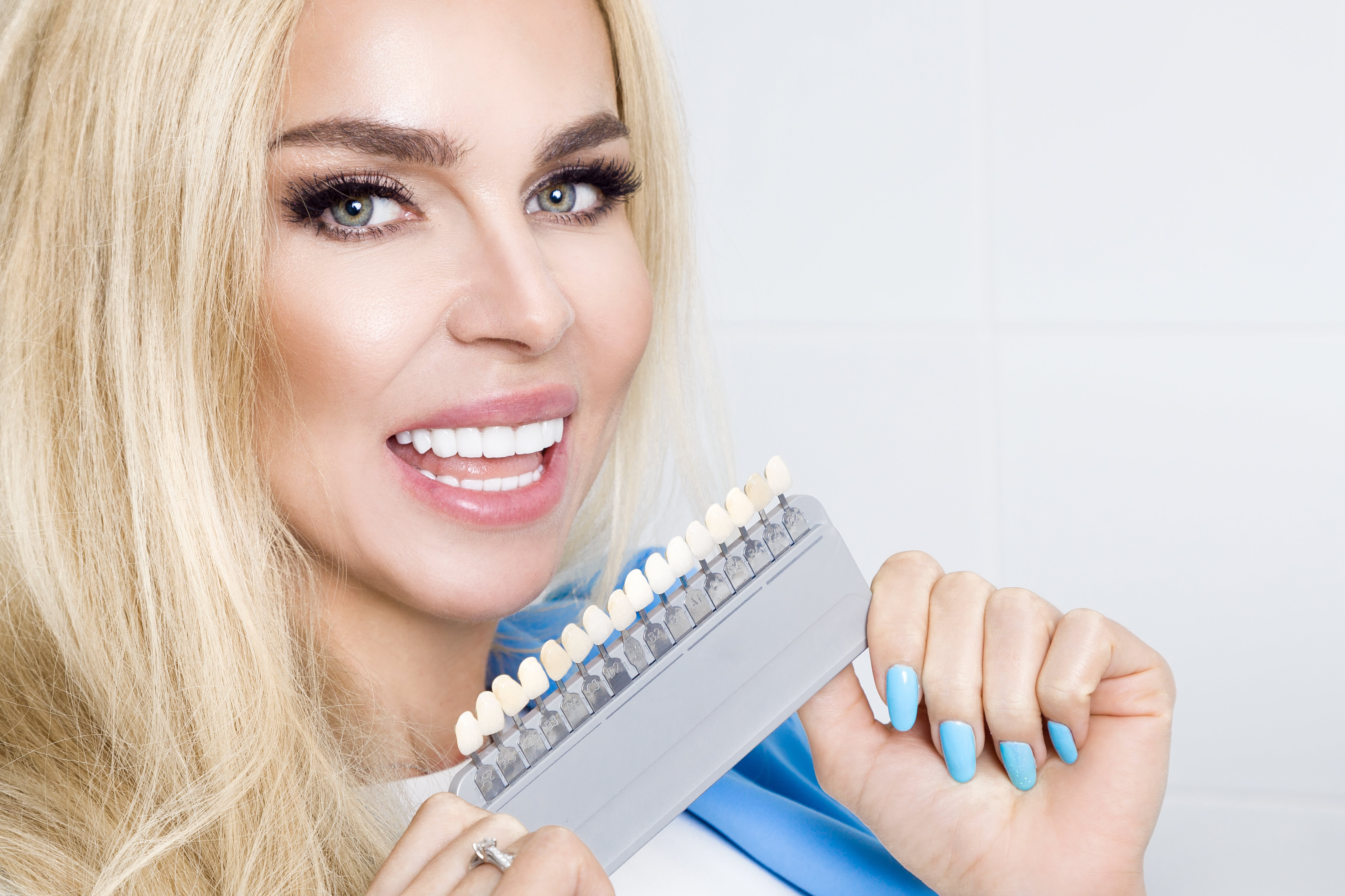 how much do porcelain veneers cost